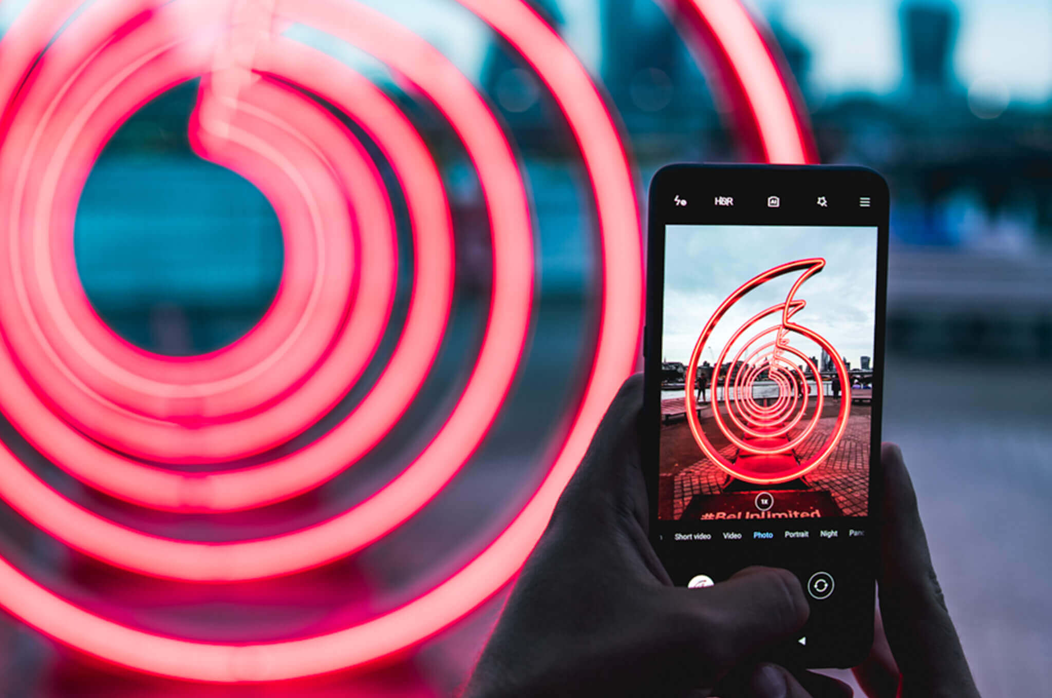FTSE 100 cheap shares: Vodafone share price projected growth on 5G technology